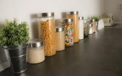 Dă culoare cu accesorii de bucătărie atent alese