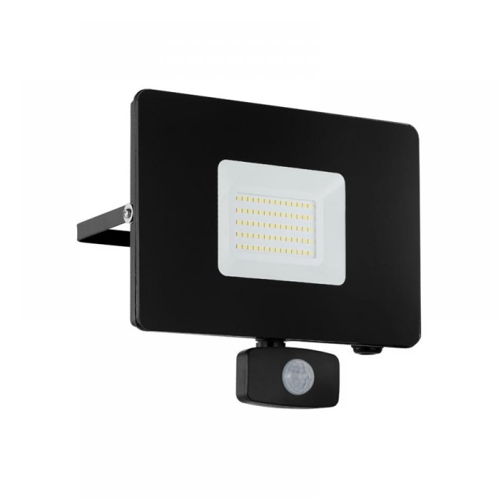 Proiector exterior LED cu senzor de miscare Faedo 50W 4800lm 5000K Negru imagine 2021 insignis.ro
